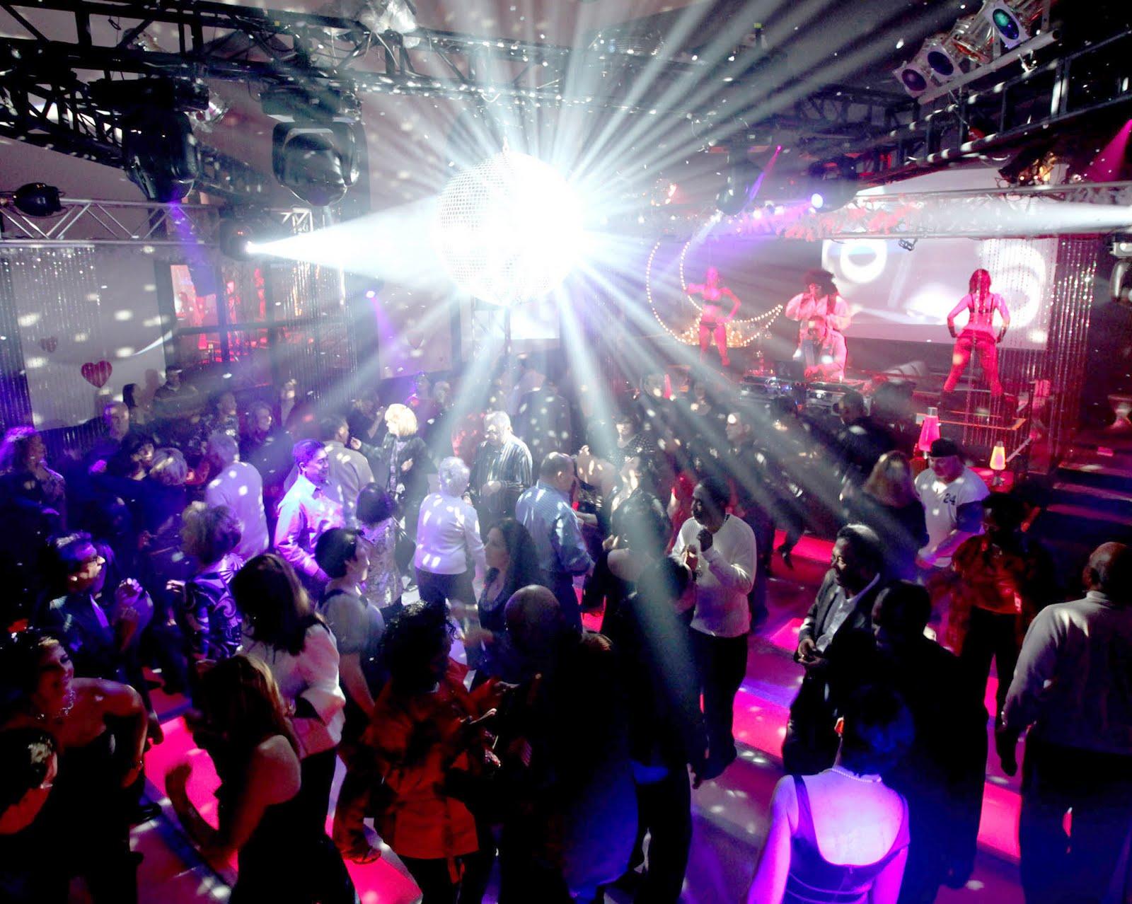 News and entertainment night club jan 04 2013 21 47 18 for Disco night club