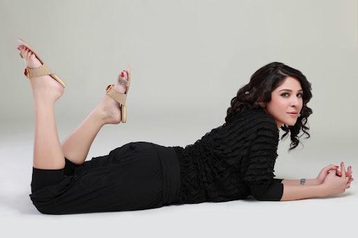 Ayesha Omer 7