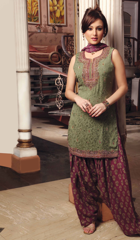 2015 Latest Ladies Pakistani Dresses Designs