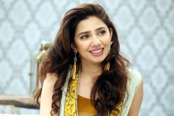Latest Trend Of Pakistani Actress Hairstyle